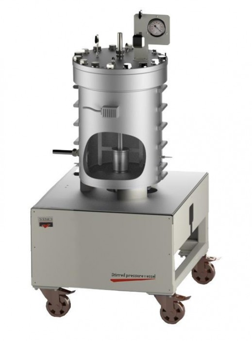 Large Stirred Pressure Vessel